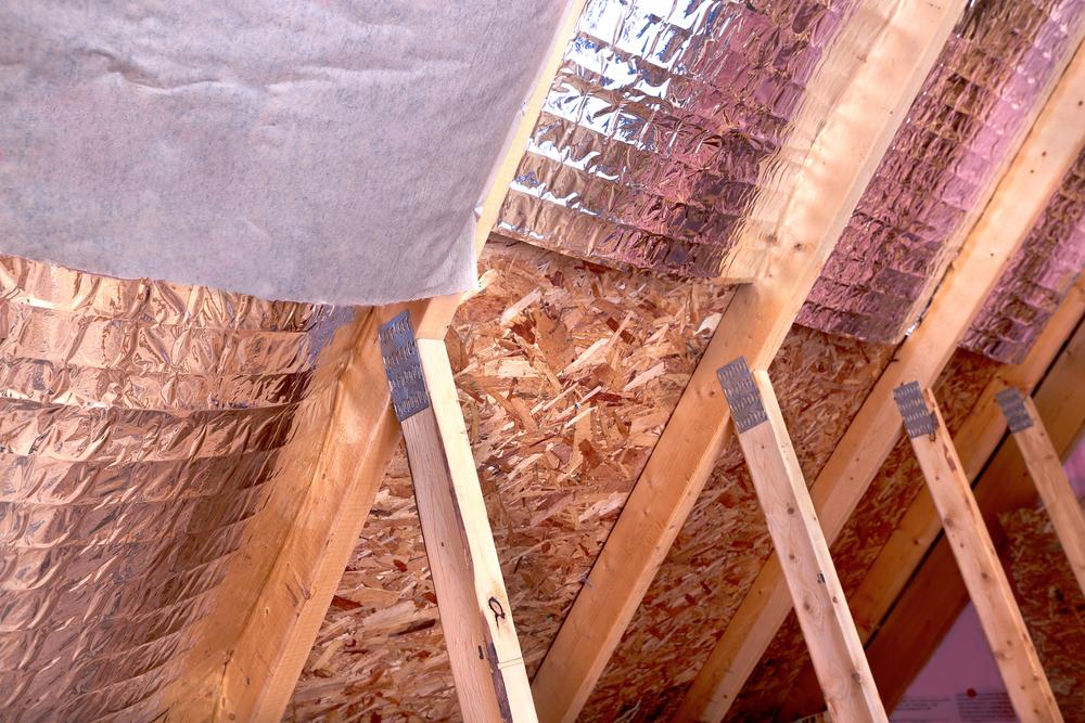 утепление крыши мансарды изнутри своими руками видео